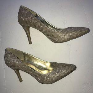 1 4 3 Girl Owanda Pointed Toe Blush Glitter Pump 9